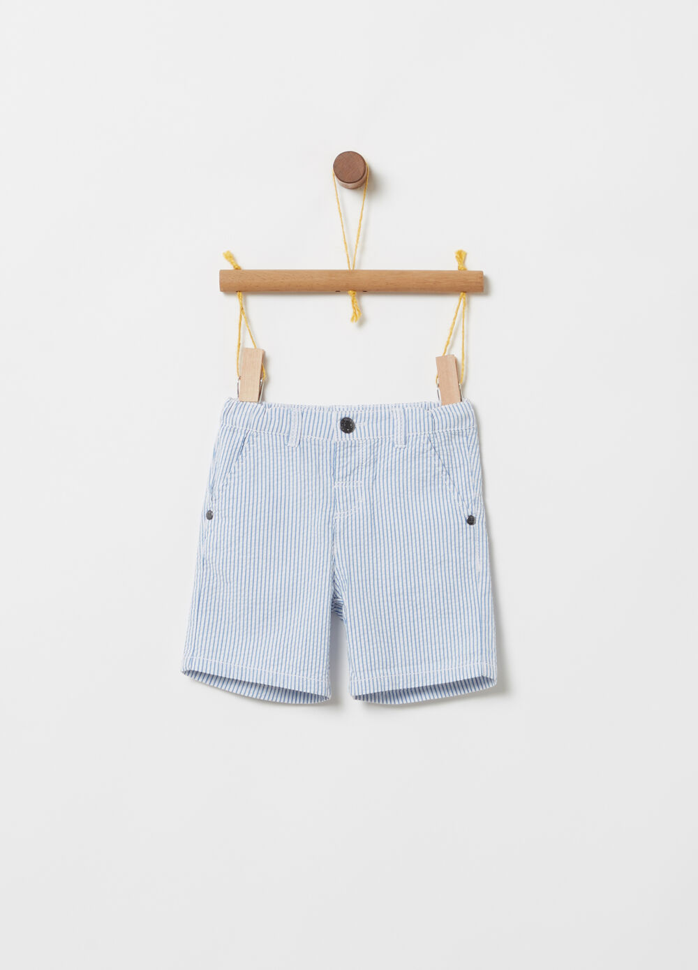 Bermuda shorts with striped welt pockets