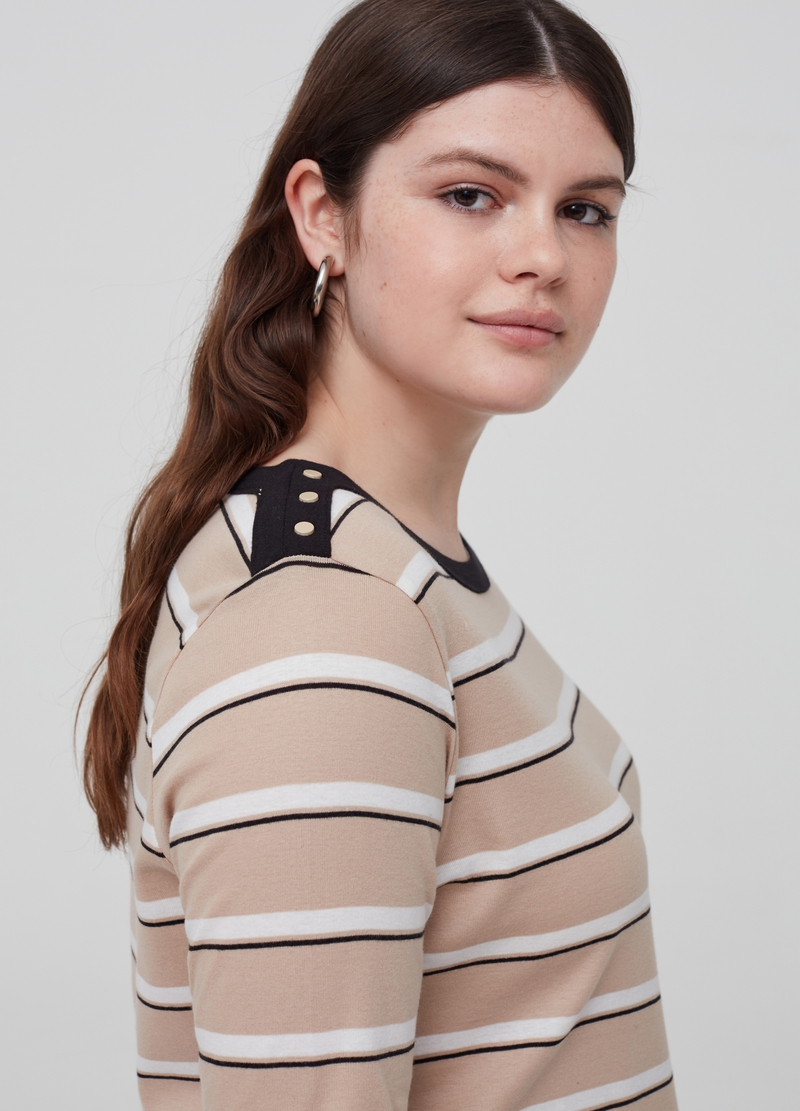 Curvy 100% organic cotton T-shirt with pattern image number null