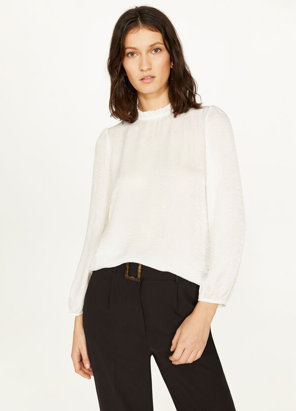 Solid colour shirt with high neck