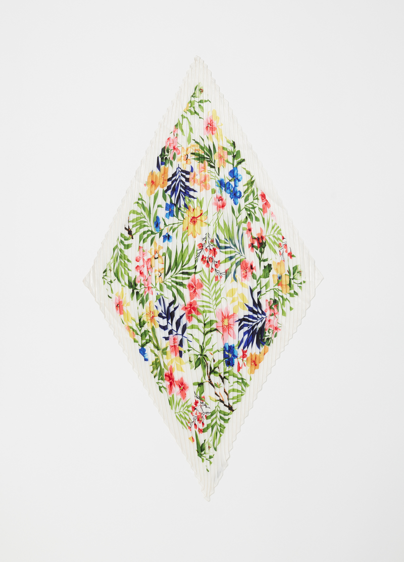 Floral patterned pleated scarf image number null