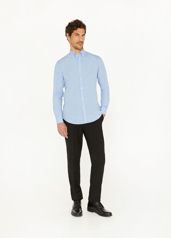 Slim-fit formal shirt with button down collar