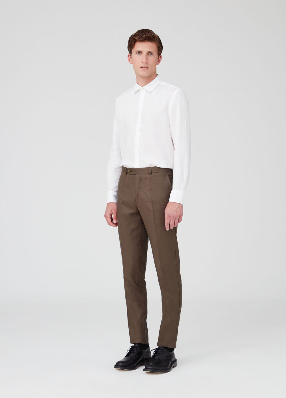 100% linen regular-fit trousers with pockets