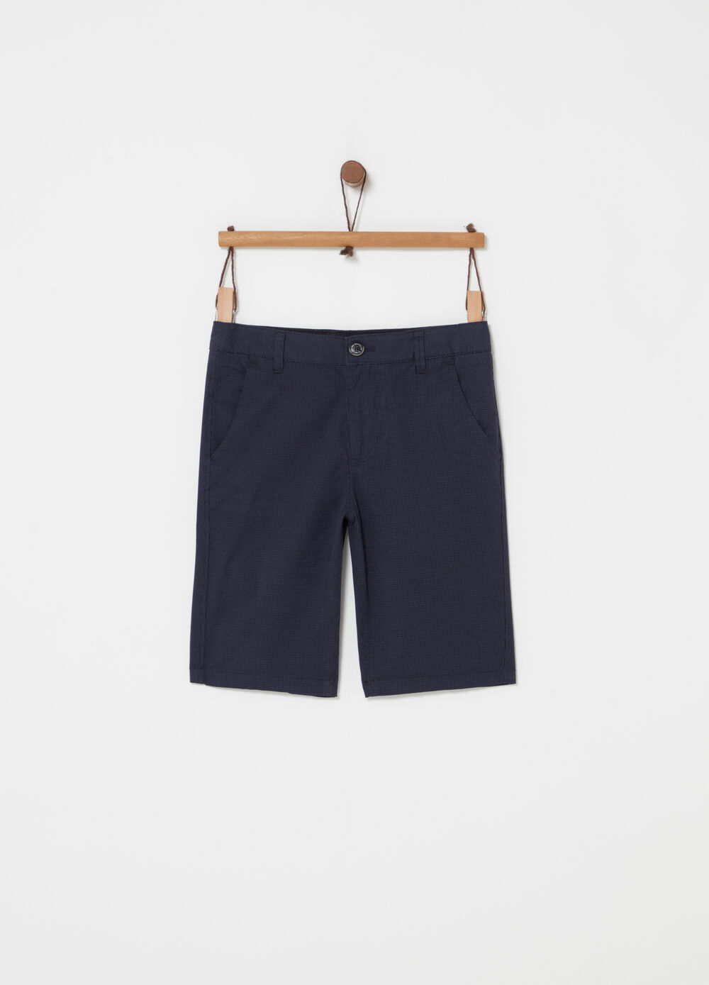 Chino shorts with pockets and button
