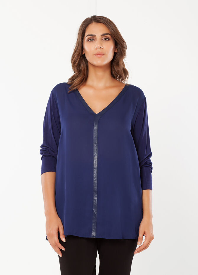 Curvy T-shirt with long sleeves