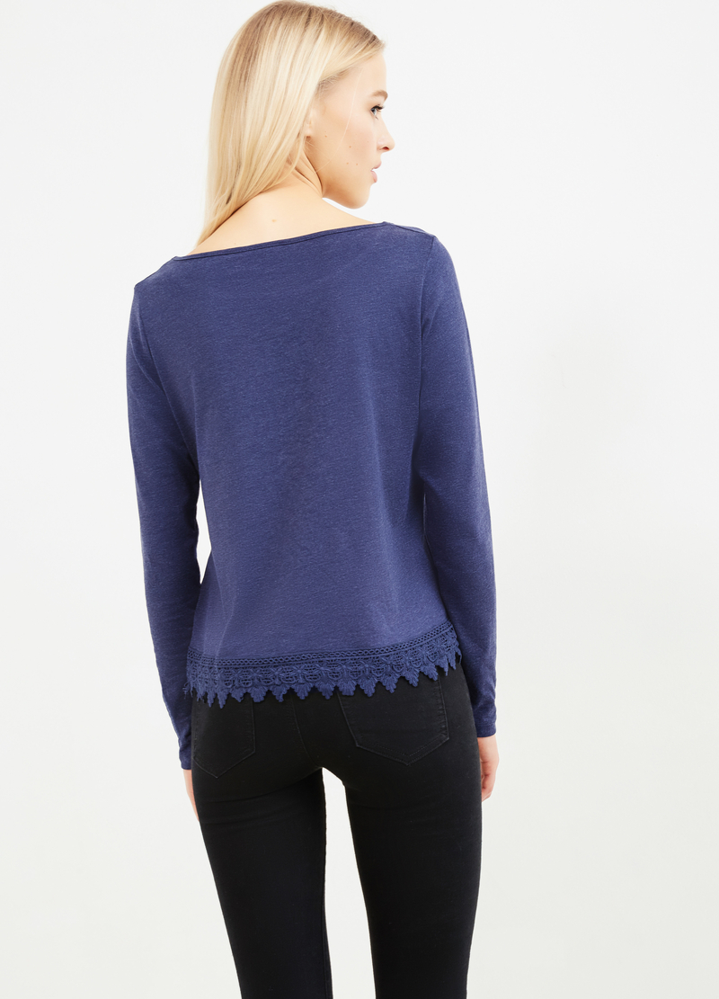 Solid colour viscose T-shirt with lace image number null