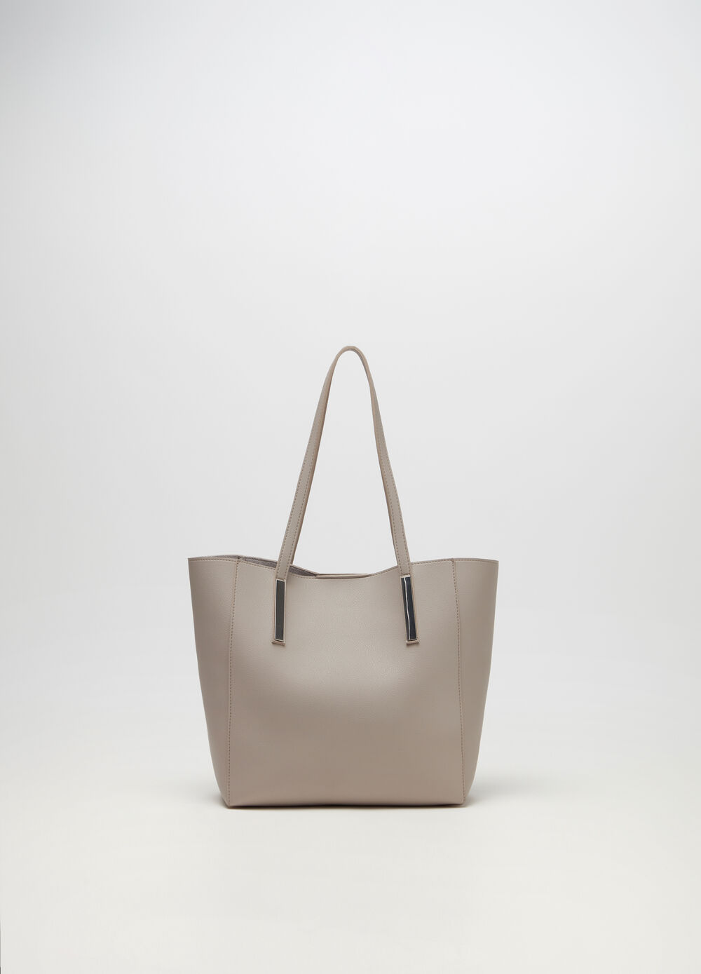 Shopper with metal details