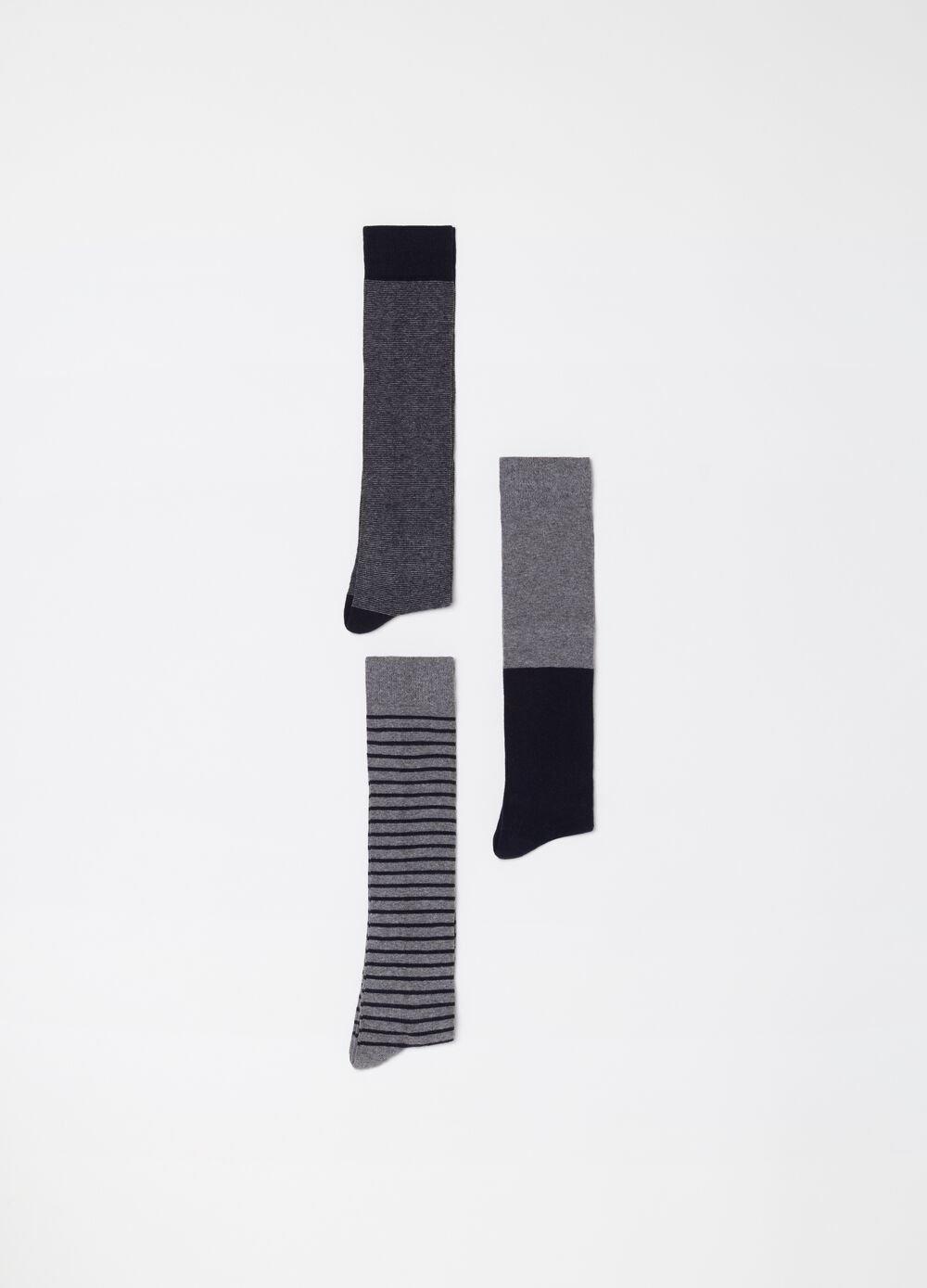 Three-pair pack long socks with pattern