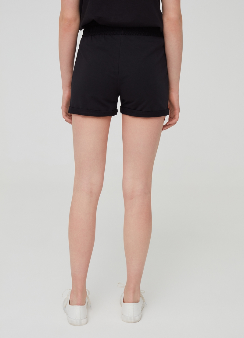 Solid colour stretch shorts in organic cotton image number null