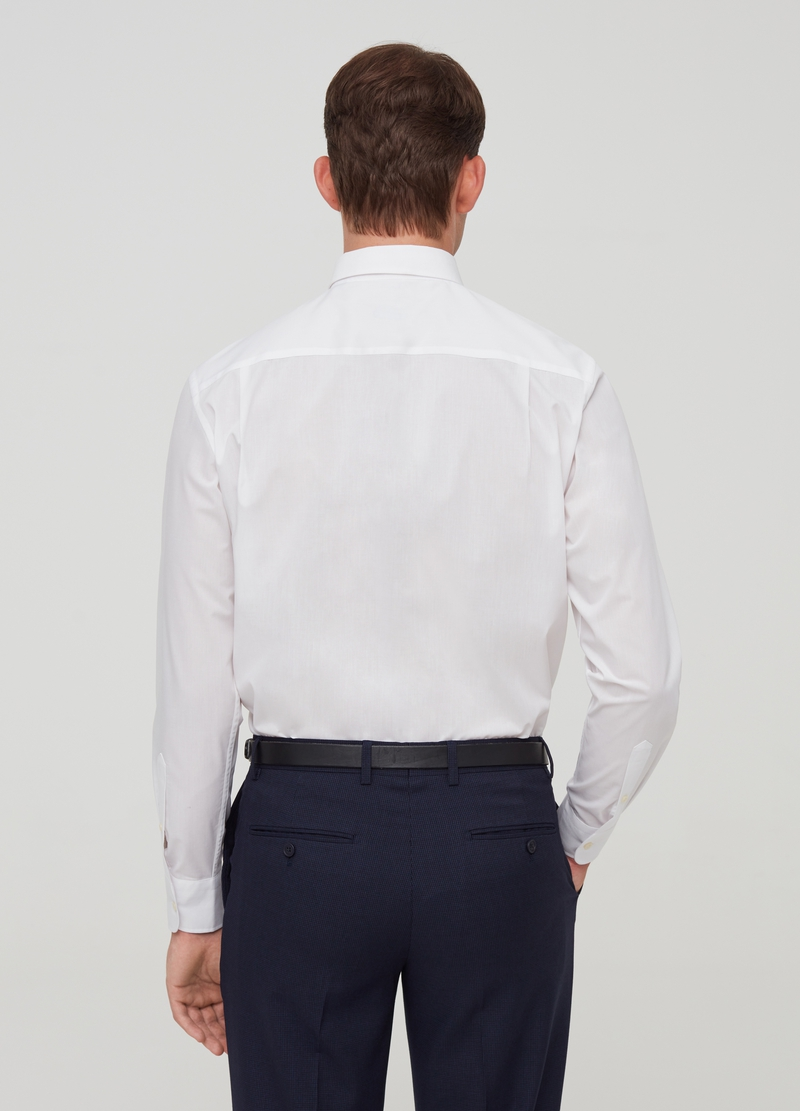 Regular-fit shirt with cutaway collar and pocket image number null