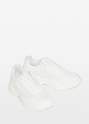 Sneakers with mesh insert and weave