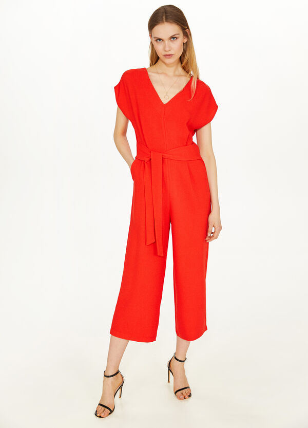 Solid colour jumpsuit with V-neck