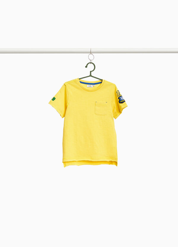 T-shirt with patches and pocket