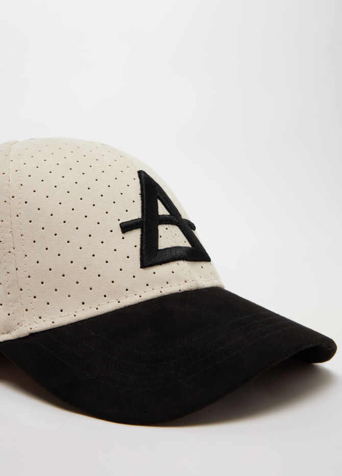 Openwork baseball cap with 3D embroidery