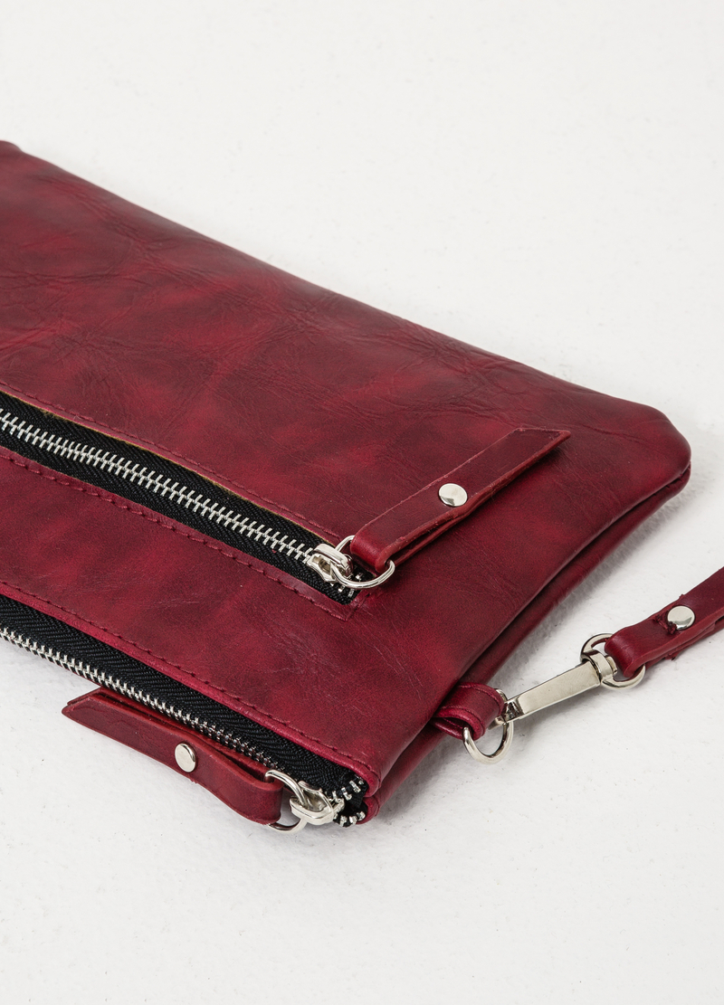 Solid colour clutch with zip image number null