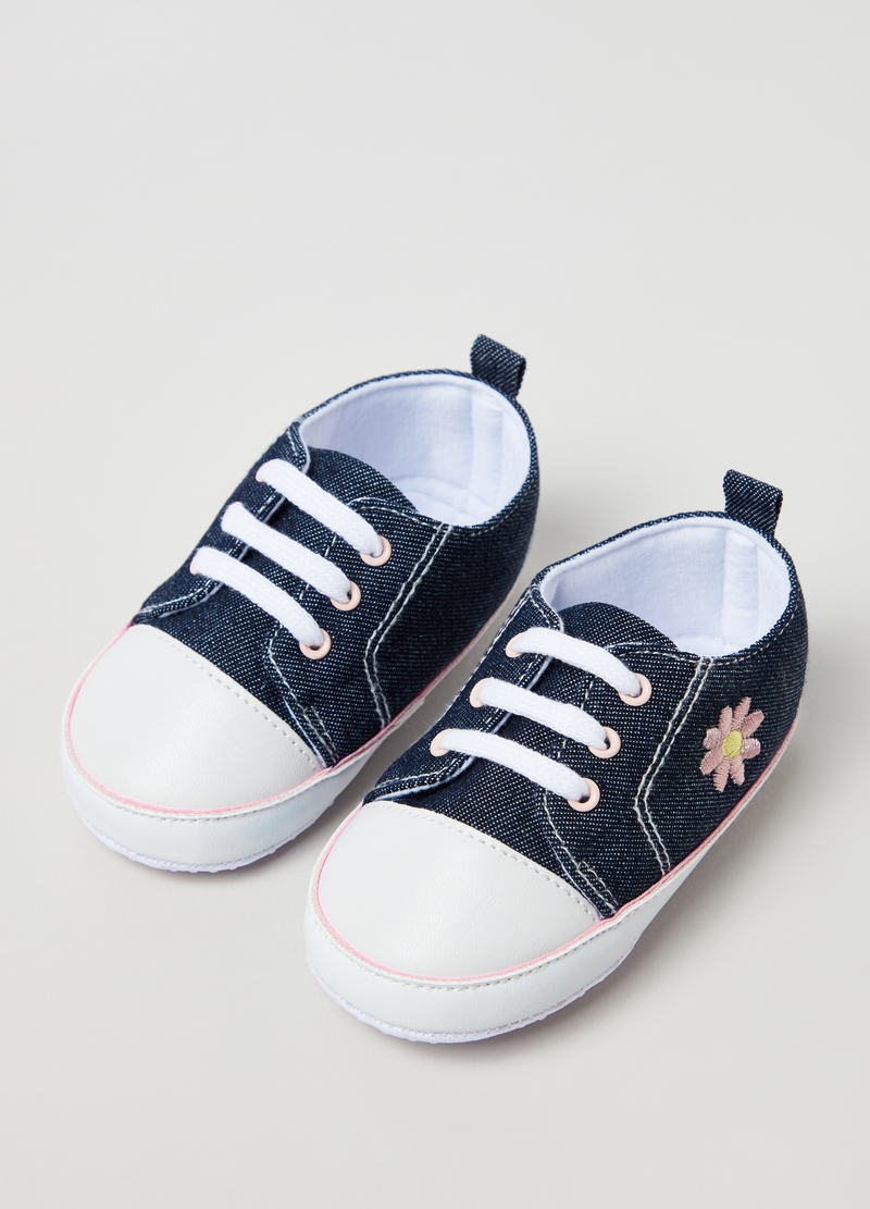Denim sneakers with flower embroidery image number null