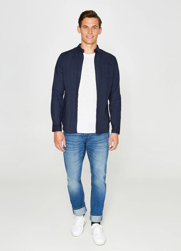 Solid colour casual shirt with small pocket