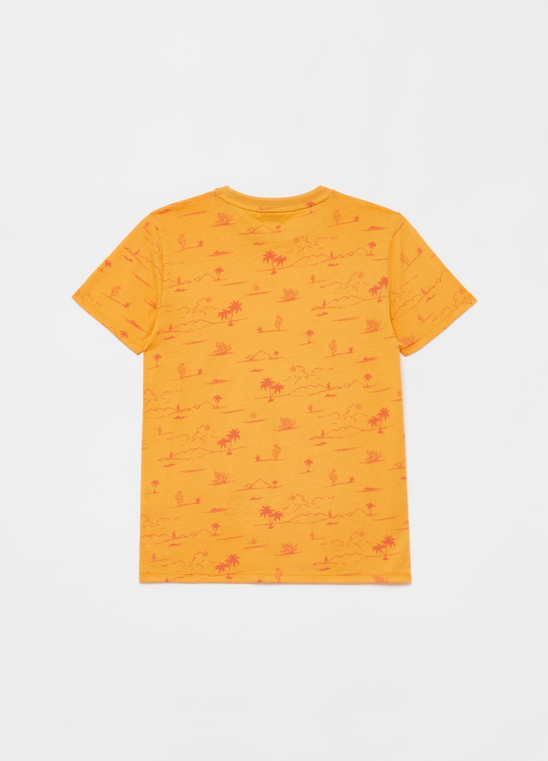T-shirt with all-over print and lettering image number null