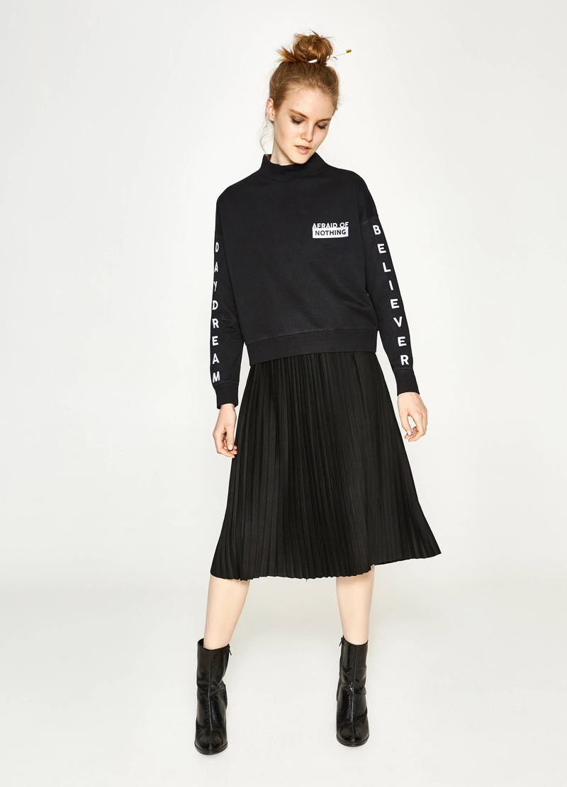 Pleated midi skirt image number null