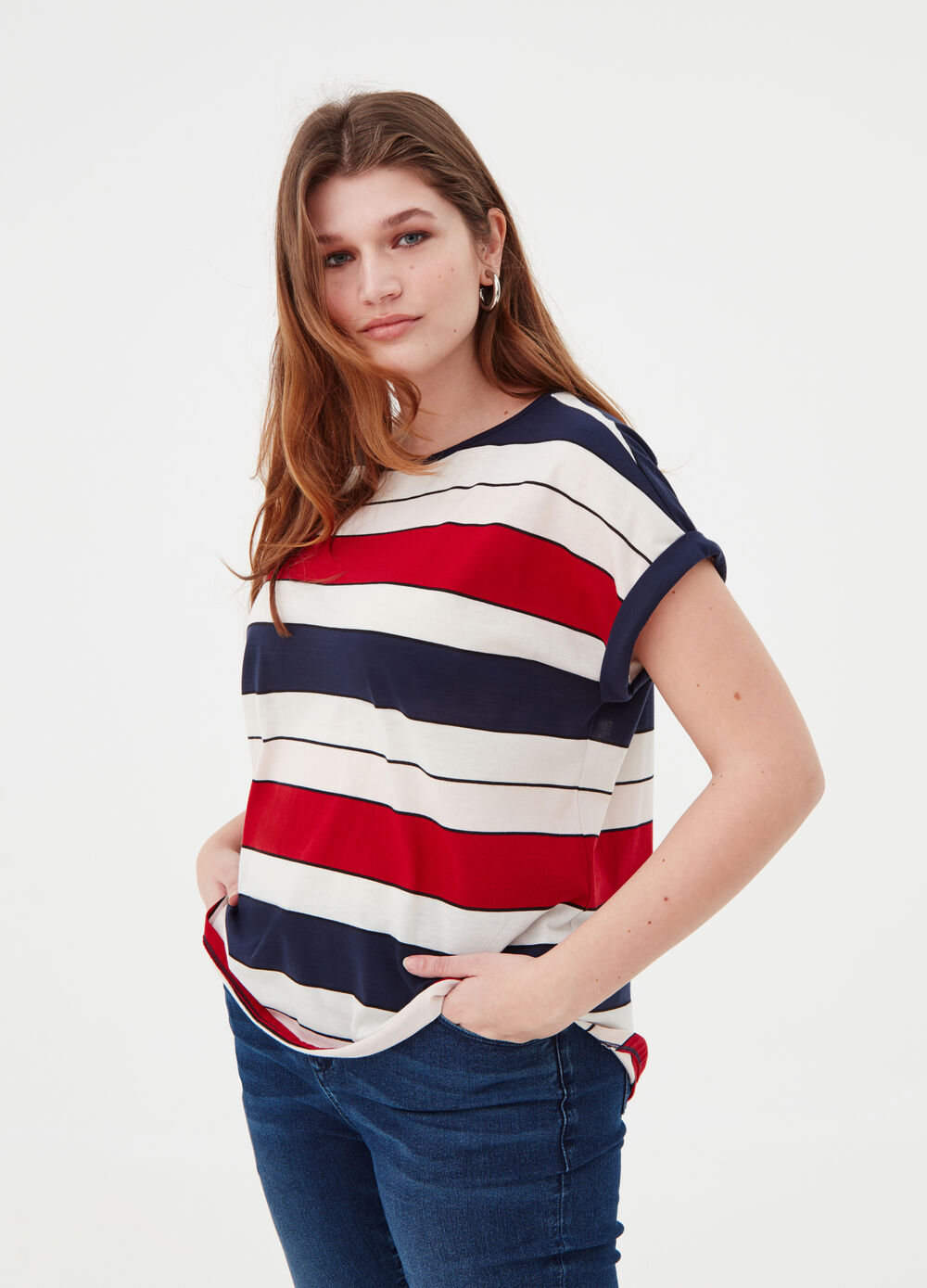 Curvy T-shirt with striped pattern