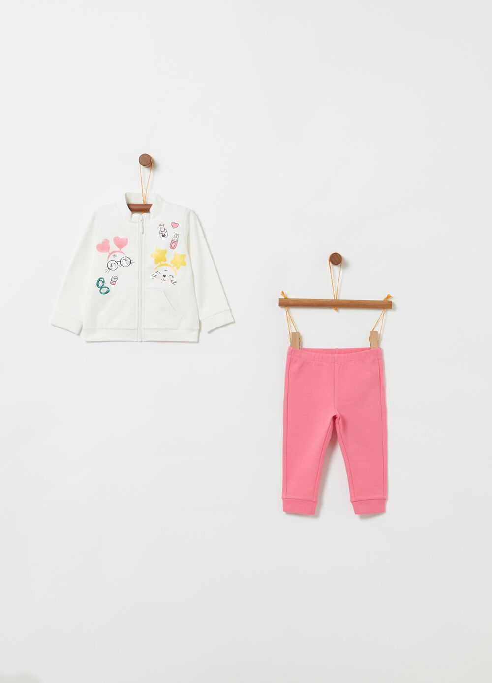 Sweatshirt and trousers jogging set with print