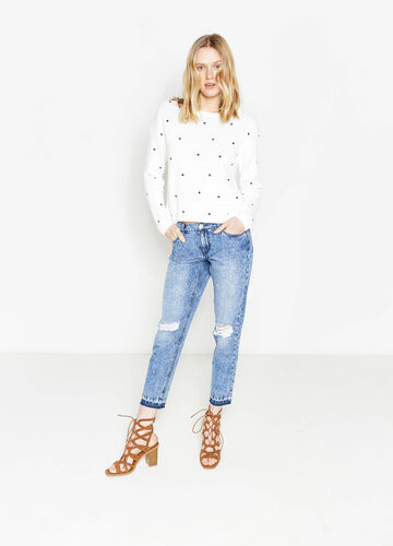 Mis-dyed-effect, ripped girlfriend jeans