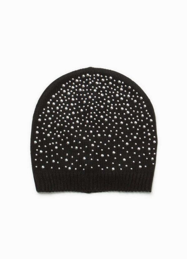 Knitted beanie cap with studs