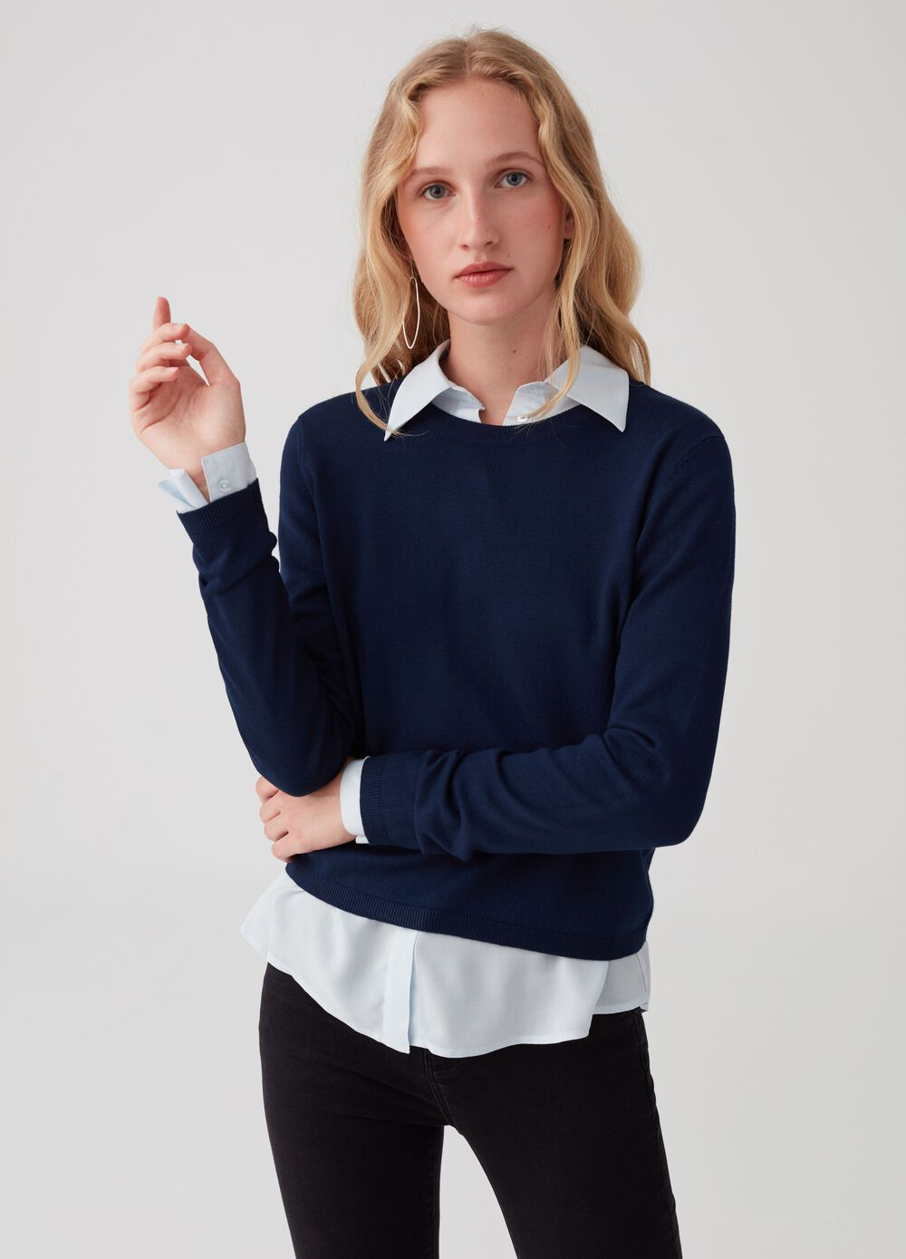 Essential Capsule pullover with round neck