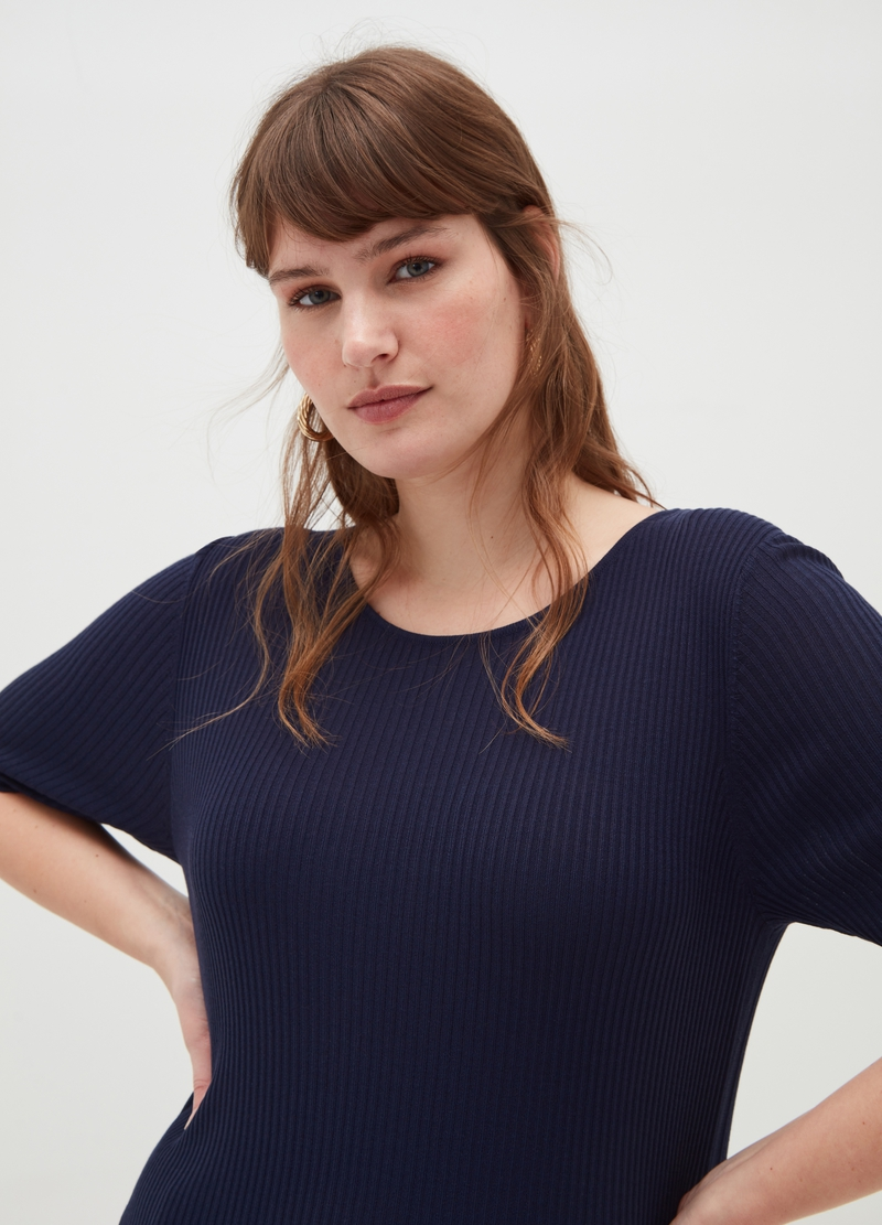 Curvy pullover with elbow-length sleeves image number null