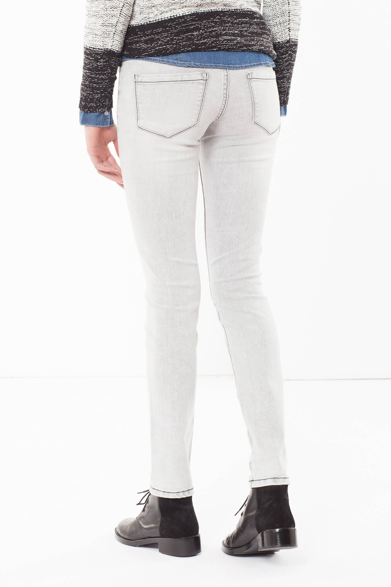 Skinny fit jeans with faded effect. image number null