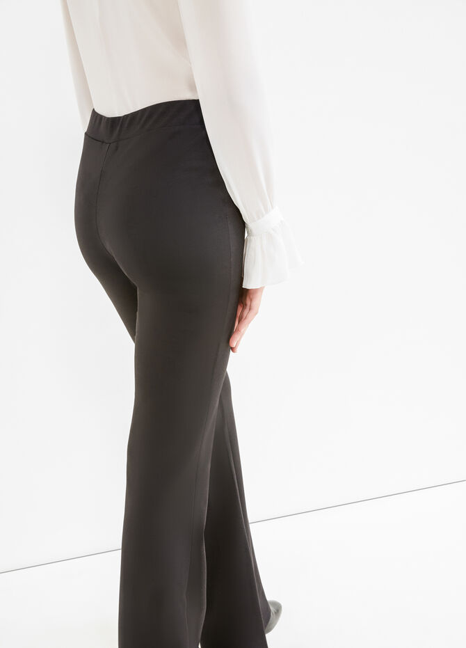 High-waisted stretch trousers with buttons