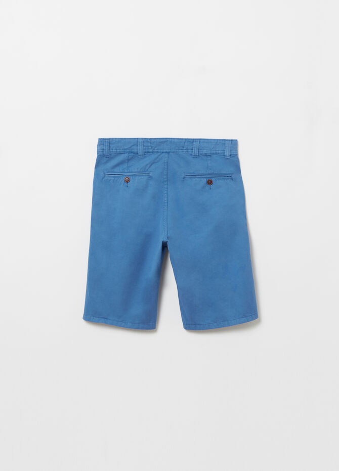 Short regular-fit chinos in garment-dyed twill