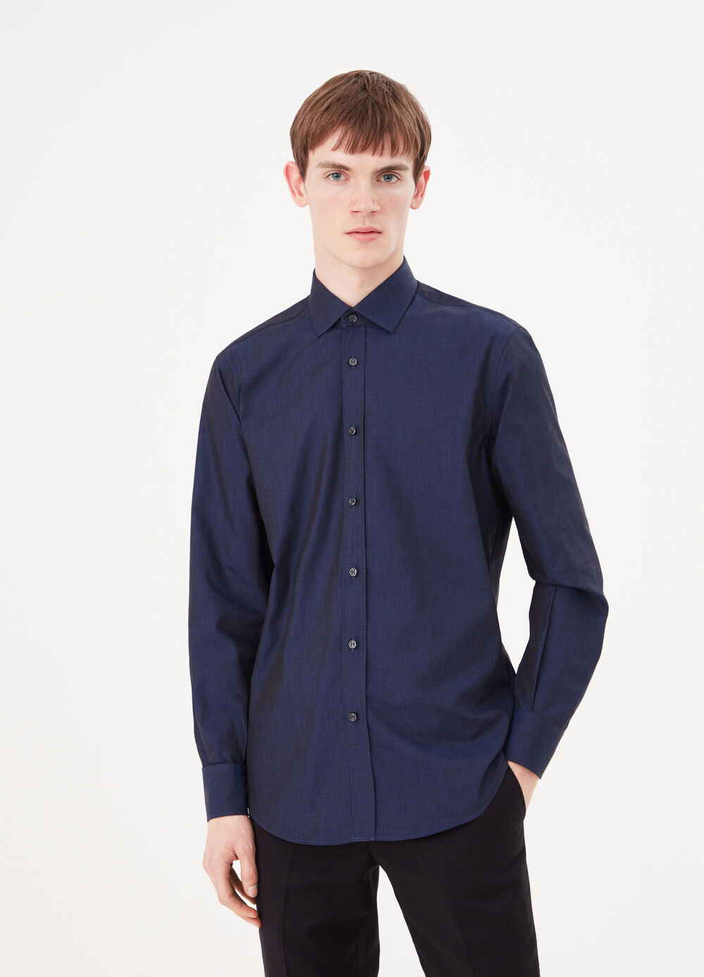 Compact weave shirt with semi cut-away collar