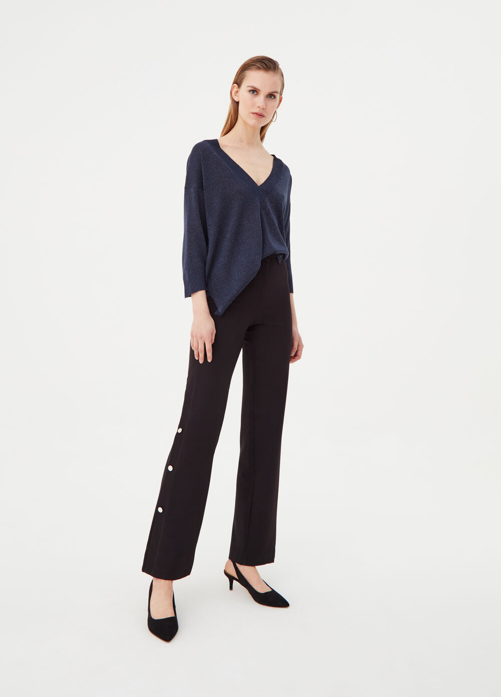 Top with lurex, V neck and ribbing