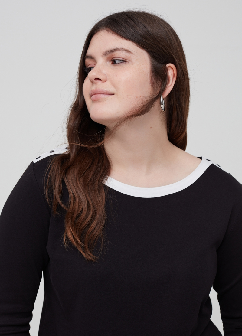 Curvy 100% organic cotton T-shirt image number null