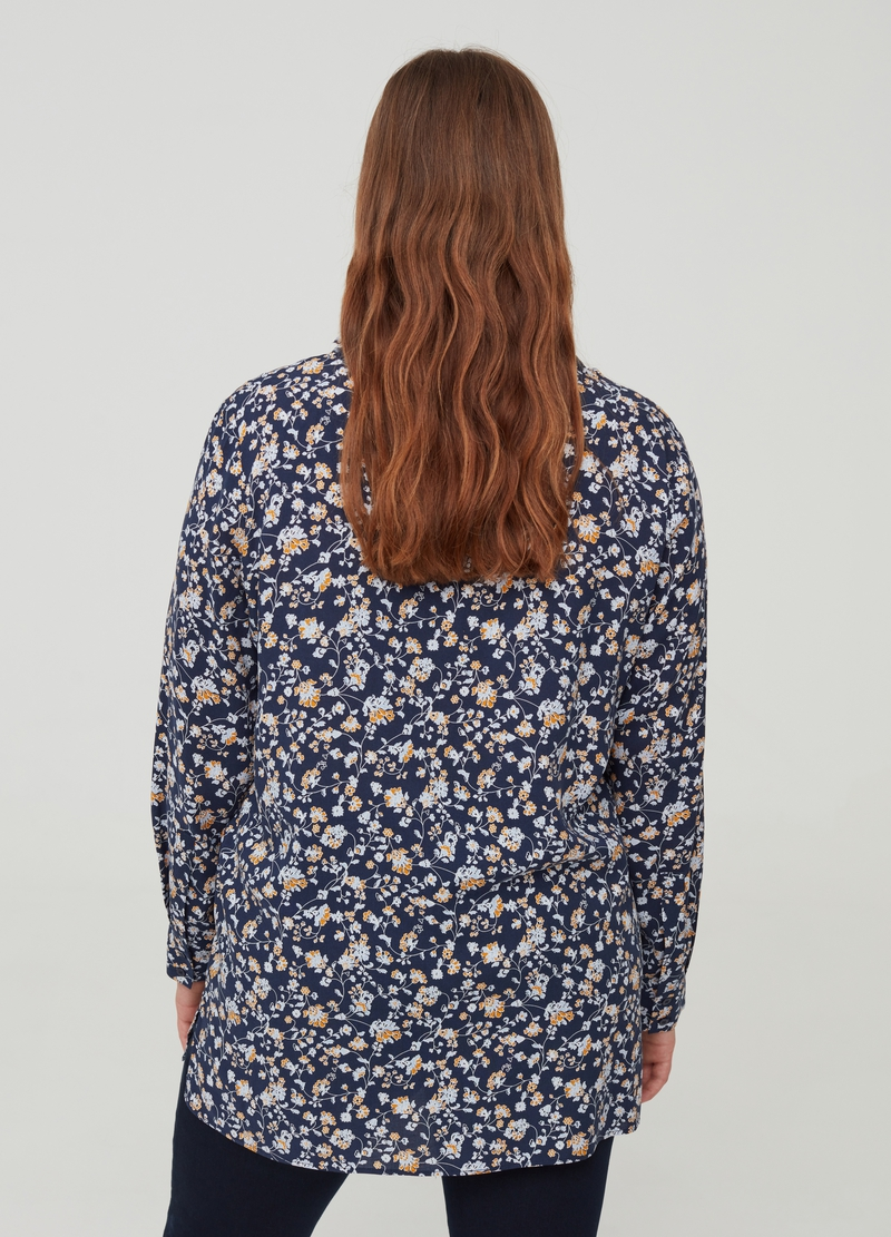 Curvy 100% viscose blouse with splits image number null