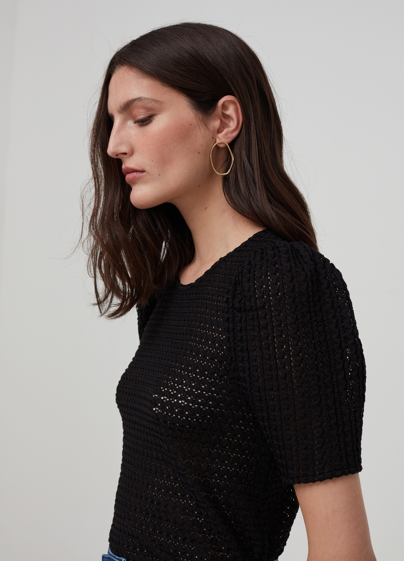Crew neck top with geometric weave image number null