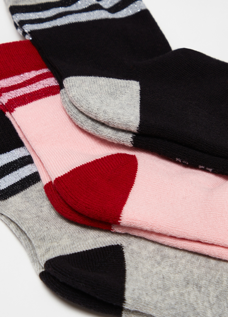 Three-pair pack short socks with striped trims image number null