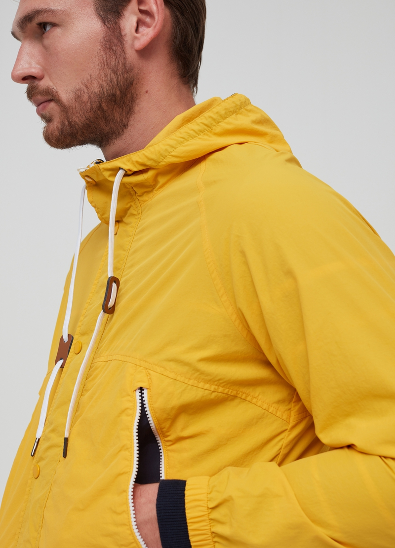 Lightweight jacket with hood image number null