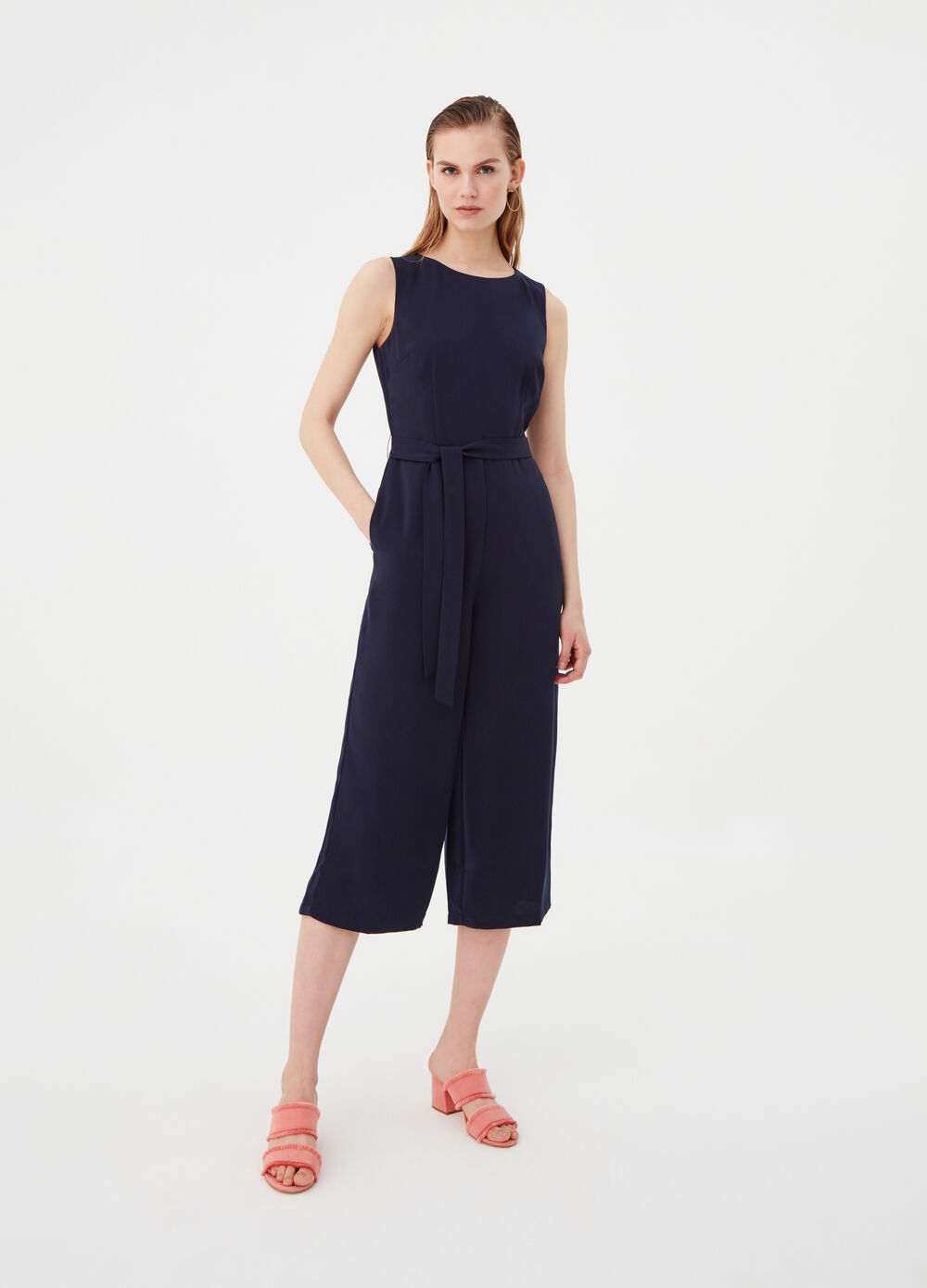 Sleeveless playsuit with belt and pockets