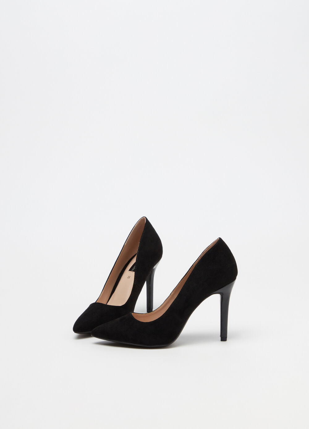 Pointed court shoe with high heel