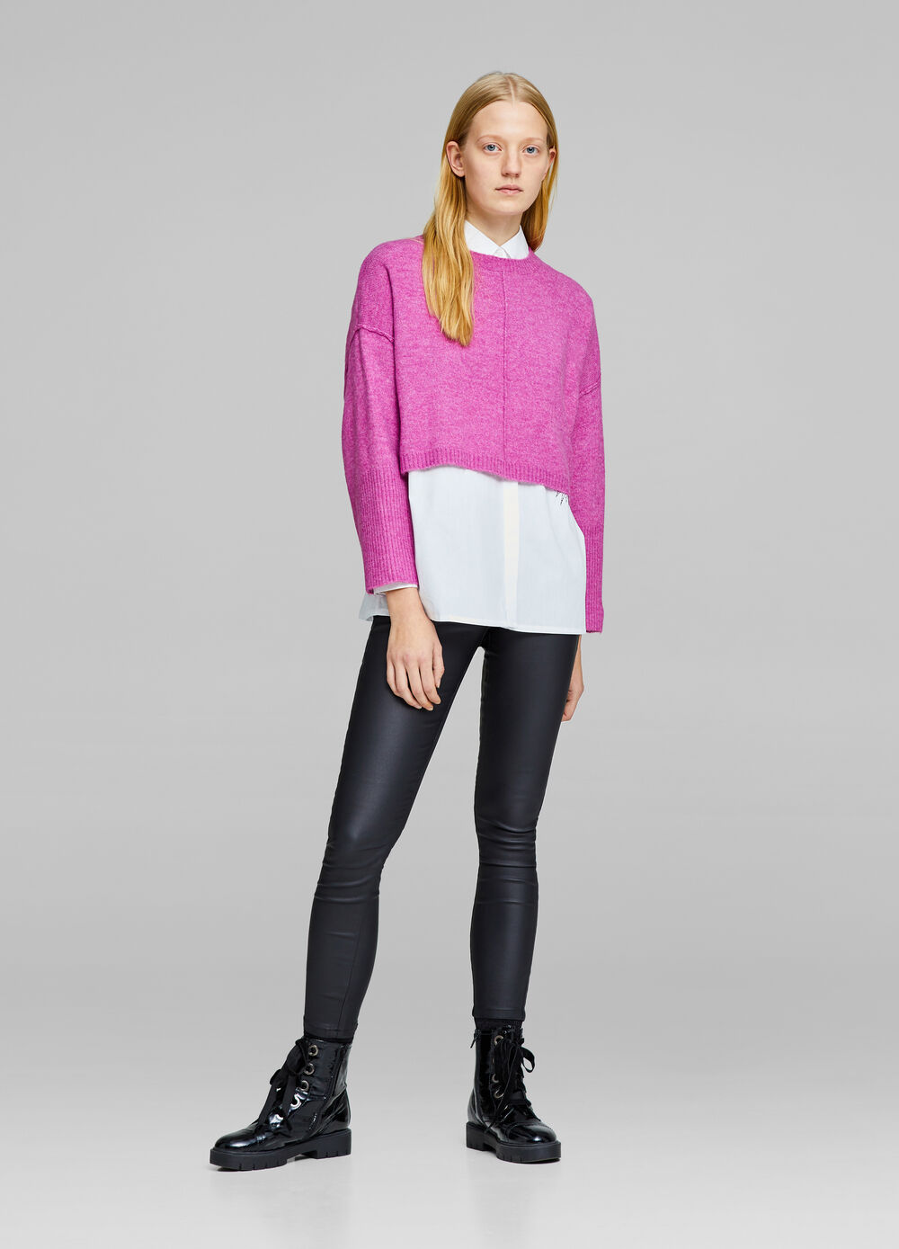 Cropped knitted pullover