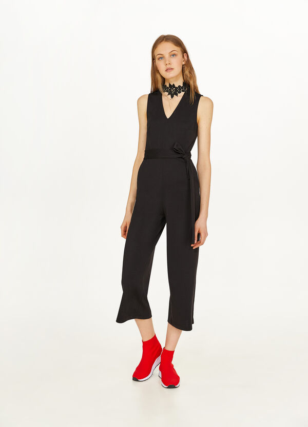 Stretch sleeveless jumpsuit with lace