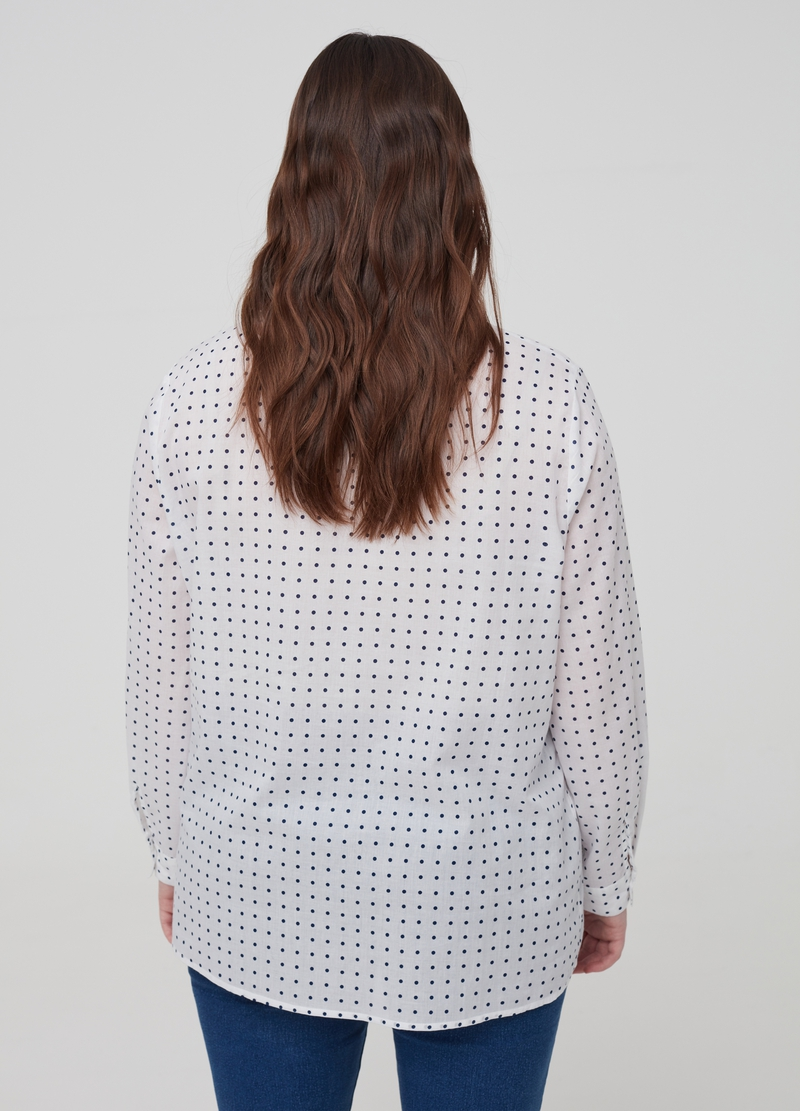 Curvy polka dot shirt in 100% cotton image number null