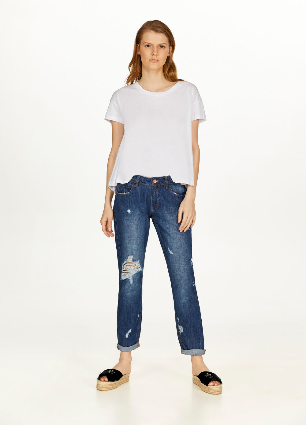 Jeans crop girlfriend fit con strappi