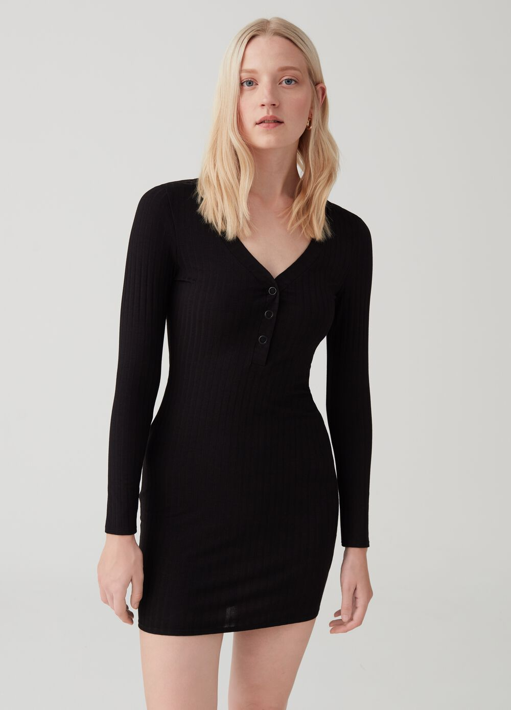 Long-sleeved ribbed dress with V neck