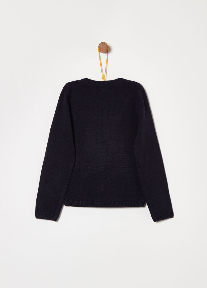 Knitted top with raised design