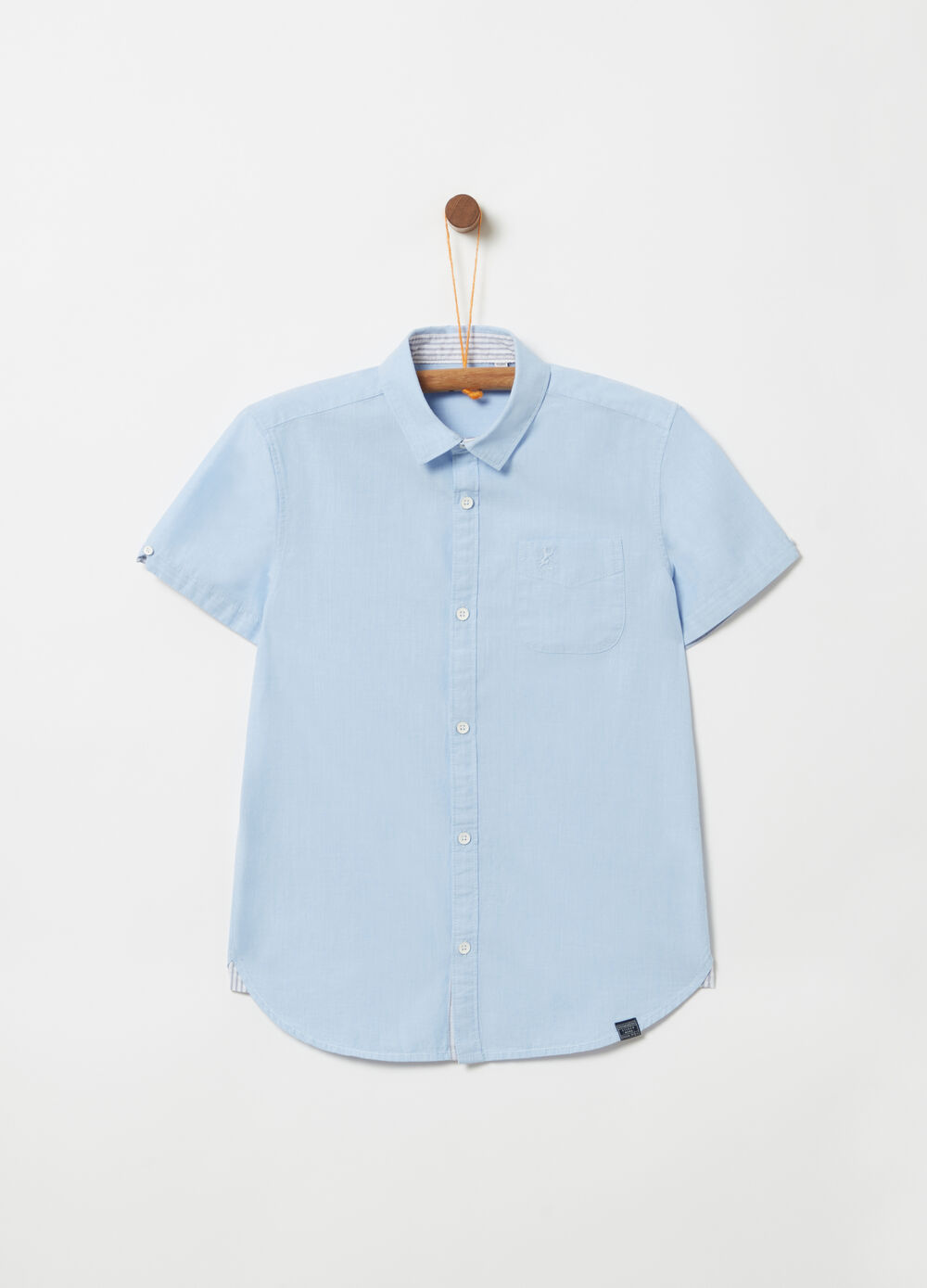 Short-sleeved shirt with embroidery and pocket