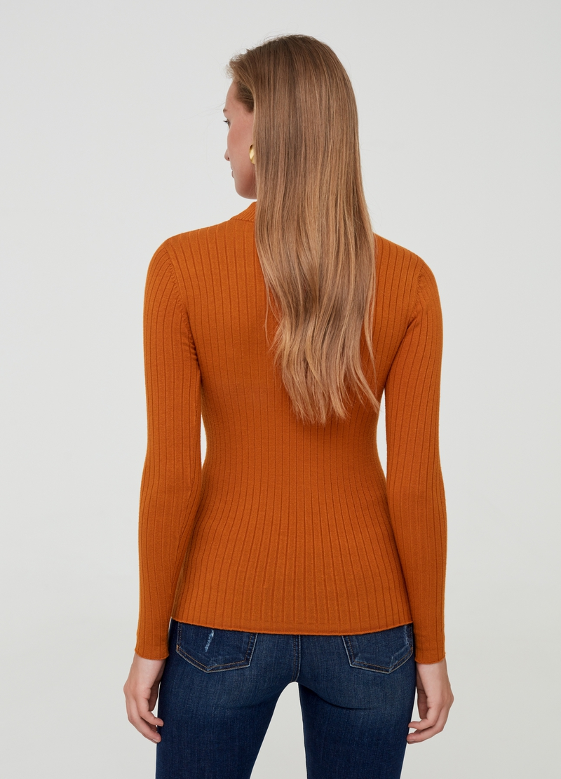 Solid colour ribbed top image number null