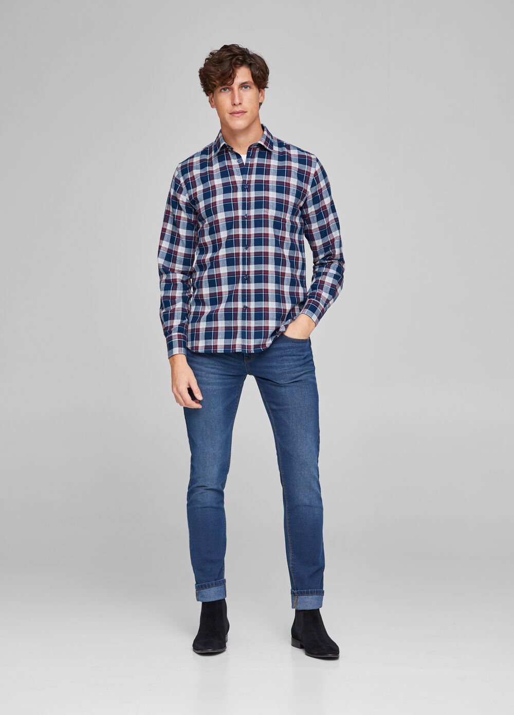 Casual shirt with small pocket