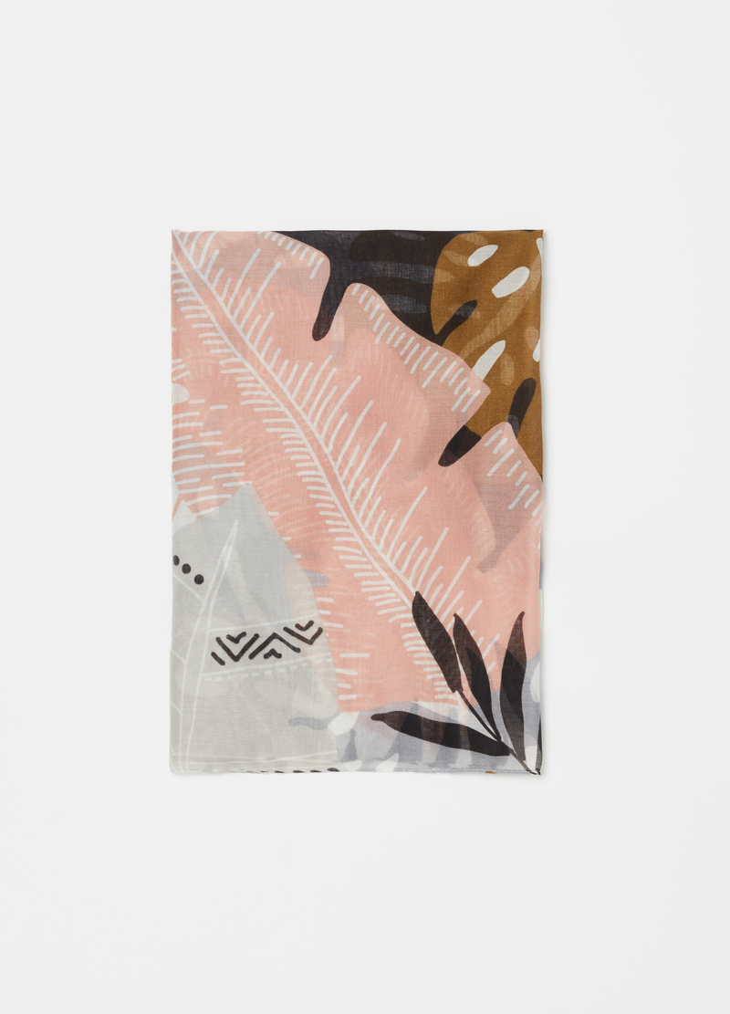 Scarf with leaf motif print image number null
